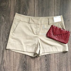 NY & Co. City Stretch Mid Rise Shorts